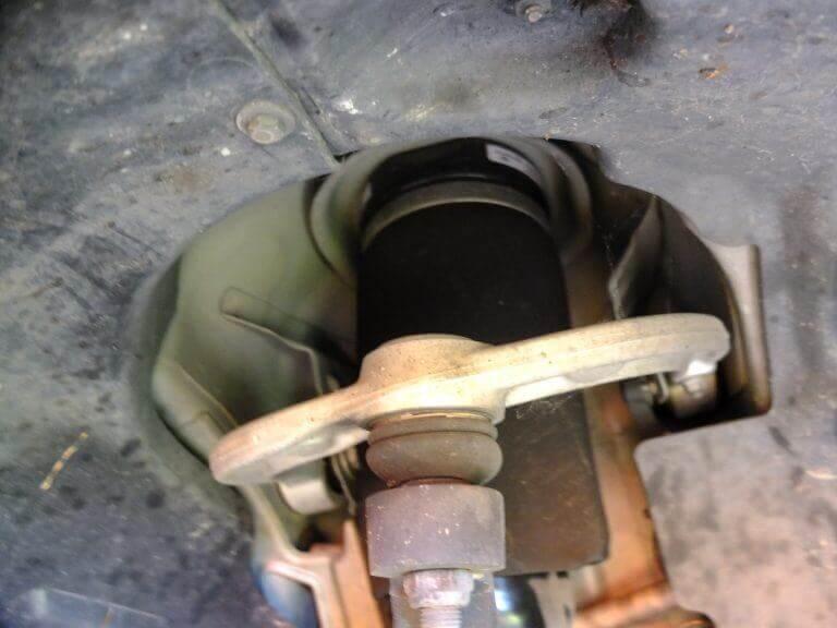 Desmontar Guardabarro Desmontar Suspension Clase E (1)