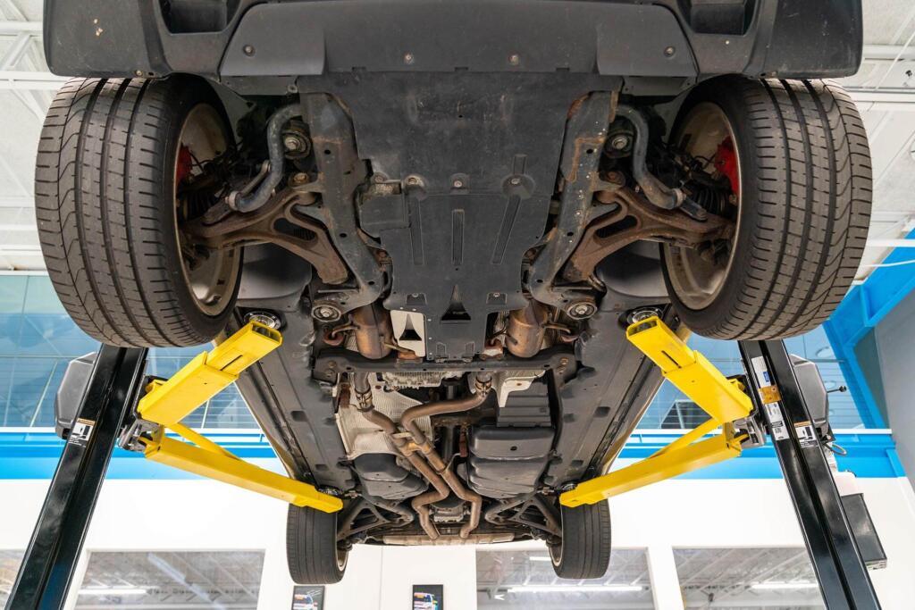Porsche Cayenne 957 Gts Bajos Y Suspensión (1)